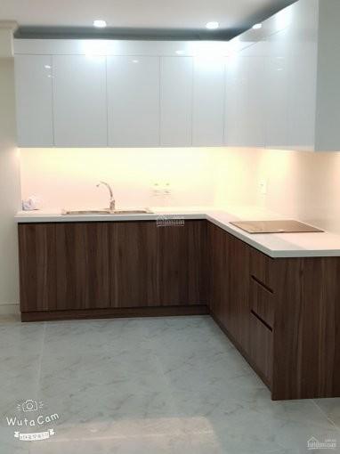 Homyland 3 có căn hộ rộng 81m2, giá 9 triệu/tháng, có sẵn đồ dùng, tầng cao, 81m2, 2 phòng ngủ, 2 toilet
