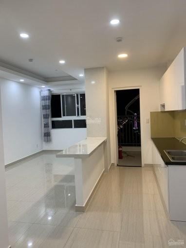 Vừa nhận căn hộ rộng 66m2, cần cho thuê giá 10 triệu/tháng, 2 PN, đồ dùng cơ bản, 66m2, 2 phòng ngủ, 2 toilet
