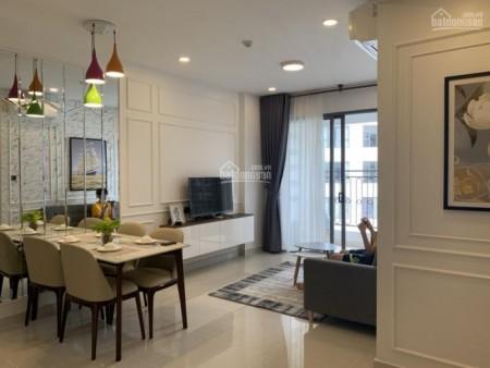 Cho thuê căn hộ view hồ bơi cc Saigon Royal, dtsd 82m2, 2 PN, giá 20 triệu/tháng, 82m2, 2 phòng ngủ, 2 toilet