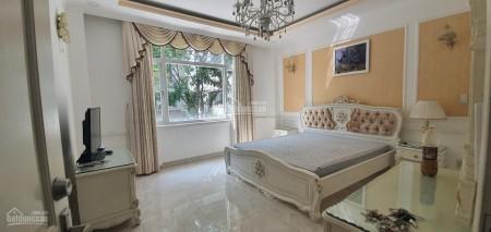 Cho thuê căn hộ cao cấp Quận 7 rộng 146m2, 3 PN, có sẵn nội thất, giá 27 triệu/tháng, 146m2, 3 phòng ngủ, 2 toilet