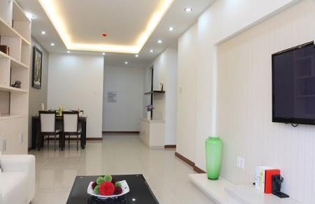 Căn hộ cao cấp, sang trọng tiện nghi tại chung cư The Era Lạc Long Quận giá chỉ 9 triệu, 65m2, 2 phòng ngủ, 1 toilet