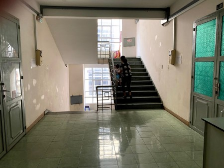 Cho thuê căn góc chung cư Đào Duy Từ quận 10 diện tích 100m2 giá 12 tr, 100m2, 2 phòng ngủ, 2 toilet