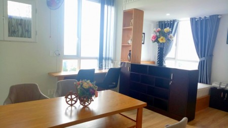 Cho thuê căn hộ ngay trung tâm Quận 10 đầy đủ nội thất, nhiều tiện ích. Giá rẻ mùa Covid, 35m2, 1 phòng ngủ, 1 toilet