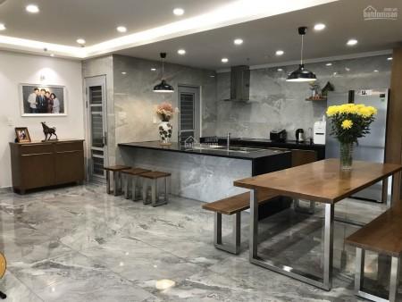 Cần cho thuê căn hộ 3 PN, 2 WC, dtsd 135m2, nội thất đẹp, cc Scenic Vallry, giá 29 triệu/tháng, 135m2, 3 phòng ngủ, 2 toilet