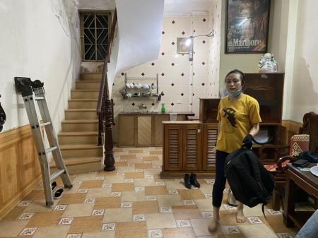 Cho thuê nhà riêng tại Giáp Bát, Hoàng Mai, 28m2, 4 tầng,7tr., 28m2, 3 phòng ngủ,