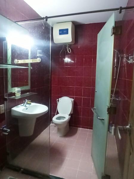 Khách trả nhà, cho thuê gấp căn hộ 2PN, chung cư đường Nguyễn Đình Chính, quận Phú Nhuận. 9 Tr/tháng, 64m2, 2 phòng ngủ, 1 toilet