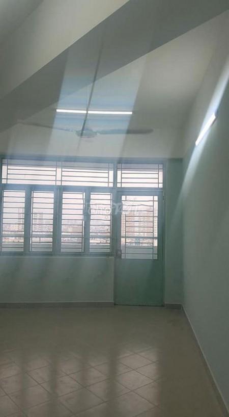 Cho thuê căn hộ 81m2, 3PN, 1WC chung cư Phú Thọ, Tầng 11 view đẹp thoáng mát, 81m2, 3 phòng ngủ, 1 toilet