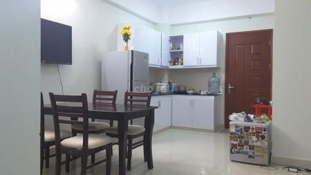 Cho thuê căn hộ chung cư trên đường Nguyễn Thị Nhỏ, gần trường đua Phú Thọ, 65m2, 2 phòng ngủ, 1 toilet