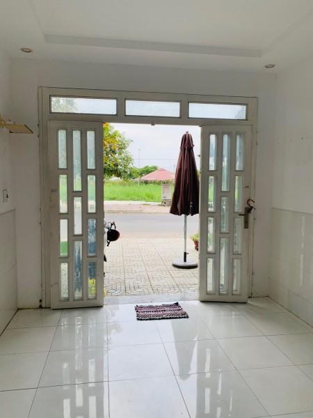 Cho thuê nhà đường D4 Phạm Hùng nối dài ấp 1 xã Phước Lộc, 27m2, 2 phòng ngủ, 2 toilet