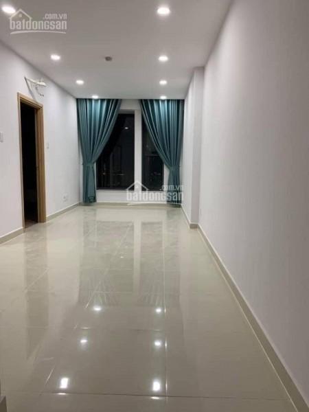 Có căn hộ 2 PN, 1 WC, tầng cao có sẵn đồ, cc La Astoria an ninh, giá 7.5 triệu/tháng, LHCC, 55m2, 2 phòng ngủ, 1 toilet