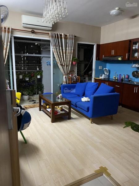 Chủ cần cho thuê căn hộ rộng 70m2, có ban công, 2 PN, có sẵn đồ dùng, giá 13 triệu/tháng, cc Xi Grand, 70m2, 2 phòng ngủ, 2 toilet