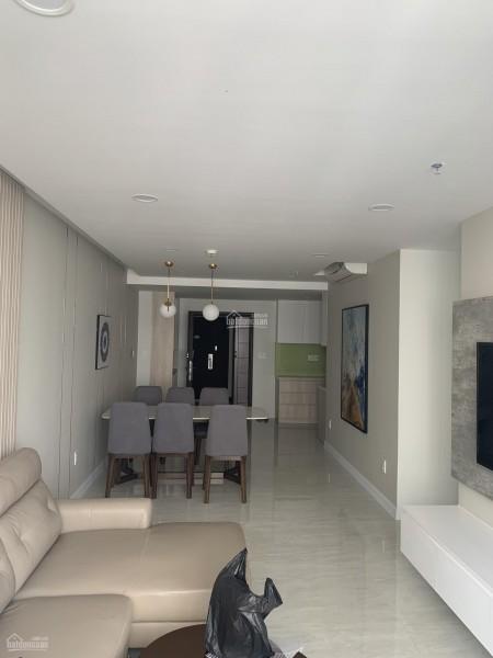 Cho thuê căn hộ rộng 101m2, 3 PN, có ban công, gió vào mát mẻ, giá 24 triệu/tháng, cc Scenic Valley, 101m2, 3 phòng ngủ, 2 toilet