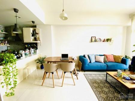 Có căn hộ tầng 10 rộng 69m2, 2 PN, có sẵn nội thất, cc PARCSpring, giá 10 triệu/tháng, LHCC, 69m2, 2 phòng ngủ, 2 toilet