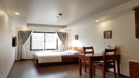 Cho thuê căn hộ dịch vụ tại Lạc Long Quân, Tây Hồ, 35m2, 1PN, đầy đủ nội thất hiện đại, 35m2, 1 phòng ngủ, 1 toilet