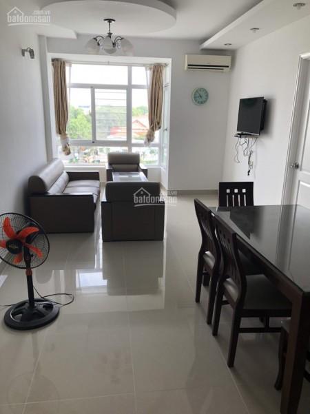 Mình cần cho thuê căn hộ 74m2, 2 PN, tầng cao, có sẵn nội thất, giá 12 triệu/tháng, cc Sky Garden 3, 74m2, 2 phòng ngủ, 2 toilet